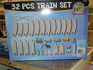Wooden Train Set - 32 Pieces. London Ontario image 4