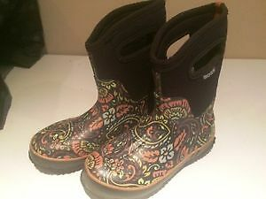 reduced price!! beautiful bogs for sale, practically brand new!!