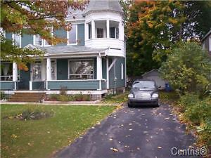 Rent a gorgeous waterfront view home $1800 per month West Island Greater Montréal image 2
