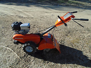 Rotoculteur HUSQVARNA 9 HP a roues motrices 2012