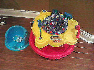 Evenflo Exersaucer and toys. West Island Greater Montréal image 1