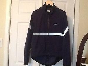 Running room windbreaker jacket(size Medium)