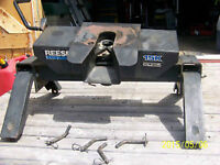 FOR SALE FIFTH WHEEL TRAILER HITCH