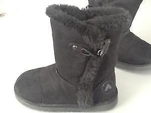 Black Airwalk boots for toddlers, size 6 London Ontario image 4
