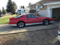 1988 Pontiac Firebird Trans Am GTA Coupe (2 door)