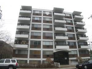 Two Bedroom Apartment (4.5) (6205 Somerled (NDG))