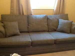 Pull-Out Couch and matching Chair