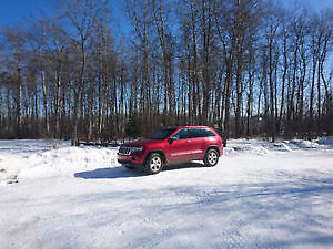 2011 Jeep Grand Cherokee Limited- ***Leather - Sunroof***