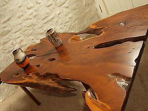 Delicieux Yew Table
