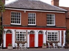 Head chef required for busy country pub just South of Guildford.