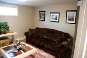 Newly Renovated 2 Bedroom Garden Suite Furnished North Van #572 North Shore Greater Vancouver Area image 3