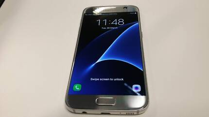 As new Gold Samsung galaxy s7 32g android smart phone