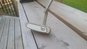 Odyssey White Hot #4 Putter (Mint)