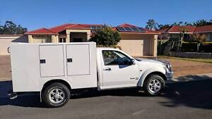 2012 Great Wall V200 4x4 lockable tray with 12 to 240v inverter