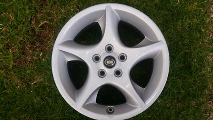 """1 X ROH Extreme wheel/rim mag. 15 X 6.5"""" 5 stud and Centre Cap"""