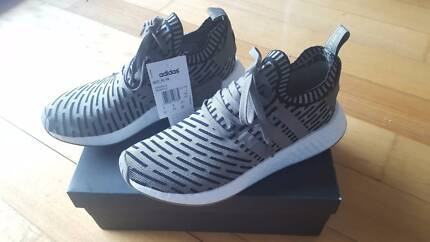 Adidas NMD R2 PK Olive Green/ Black US9.5 DS