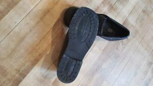 Boys size 5 black dress shoes Peterborough Peterborough Area image 2
