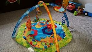 Play mat /play gym - light and music!