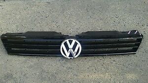 grille front vw jetta 2011-2014 OEM With emblem