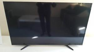 Palsonic 42 inch TV with DVD LED Cranbourne East Casey Area Preview