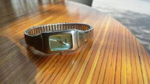 ladies optimix storm watch gently used