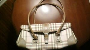 Burberry pink handbag Kitchener / Waterloo Kitchener Area image 2