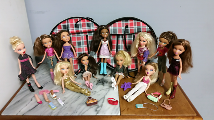 Bratz Dolls with carry case and accessories