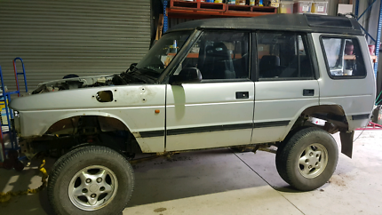 Land Rover Discovery with extras