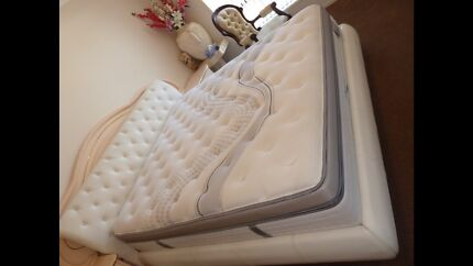 WHITE LEATHER KING BED FRAME WITH KING MATTRESS GREAT CONDITION
