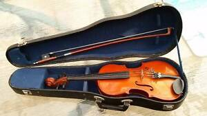 Children's Skylark Violin 1/8 size with hard case & Bow Grange Charles Sturt Area Preview