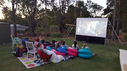 OUTDOOR CINEMA FOR PARTY HIRES / KIDS PARTIES / EVENTS