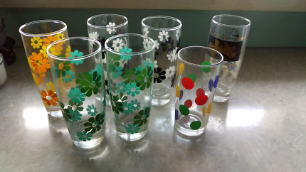 Collection of 7 retro drinking glasses