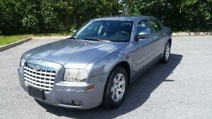 2006 Chrysler 300 WANT TO PAY MONTHLY? WE WILL APPROVE YOU!