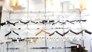 Hangers/ Cintre en bois, en plastique, en métal, au MEILLEUR PRIX GARANTI