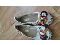 Ladies Flat Round Toe Loafers