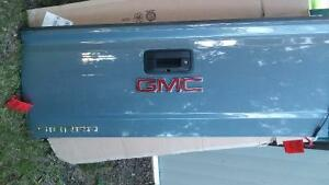 Chevy / GMC 2014-2017 New Tailgate