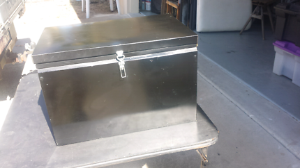 Esky aluminium and stainless steel