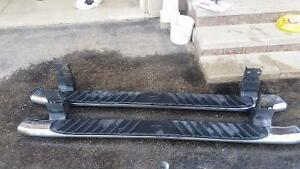 Selling 2001 ford f150 side step chrome in great condition