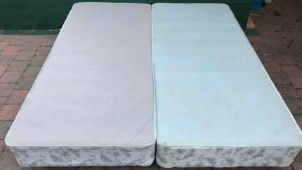 Good condition King bed base for sale. Delivery Available