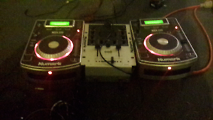 Numark im1 with 2 ndx200 mixers works great over $ 600 worth $200 Little Mountain Caloundra Area Preview