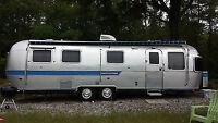 Airstream (or similar aluminium travel trailer)