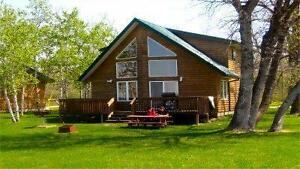 Beautiful Lakefront Cottage w/Hot Tub 2 Hours from Winnipeg