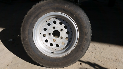 Wb rims and tyres