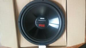 200 m Rockford amp and brand new cx15 boss sub