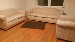 Great deal: 3 peaces: sofa, love seat & arm chair