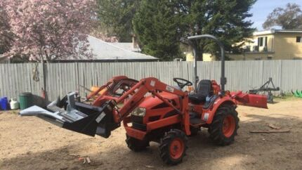 Daedong tractor 22 hp 4x4 4in1 bucket grader blade ripper pipe layer
