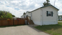 Mobile Home in Parkland Village Spruce Grove