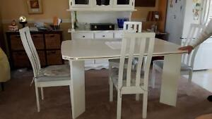Down sizing must go, Dining set