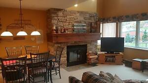 Available for New Years - Blue Mountain 3 Bed Slope Side Condo