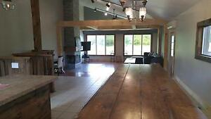 7 Bed Blue Mountain Ski Chalet with Hot Tub - Sleeps 18